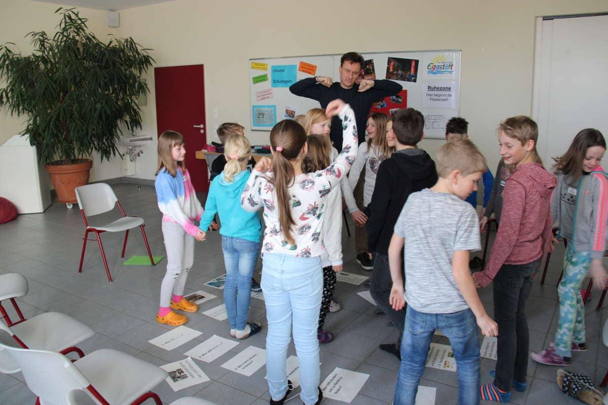"""Workshop """"Internetsuchmaschine - Bibliothek"""""""